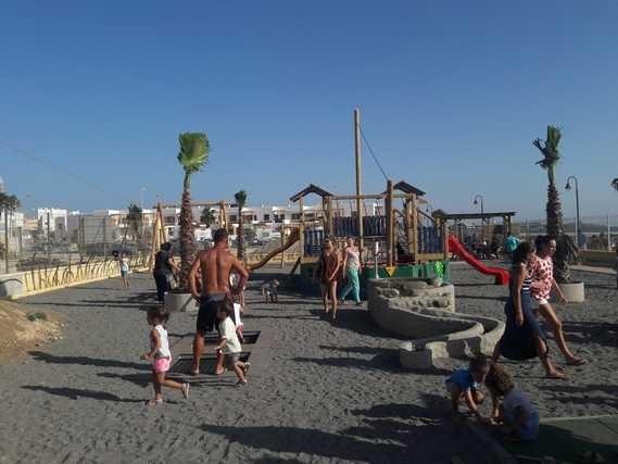 Tarifa: EL NUEVO PARQUE INFANTIL DE LA MARINA, EL MAYOR DE LA CIUDAD, ABRE CON ÉXITO SUS PUERTAS