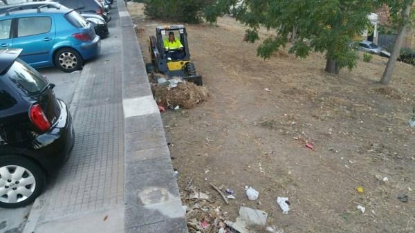Algeciras: La Delegación de Limpieza continua sus trabajos en la calle Guerrita de la Piñera