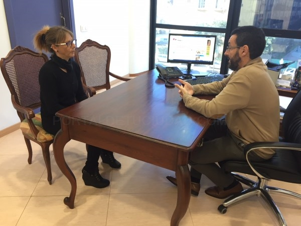 LA LíNEA:  EL ALCALDE MUESTRA SU APOYO A LA FAMILIA DE JUAN CARLOS LUQUE, FALLECIDO HACE DOS AñOS TRAS UN ATROPELLO