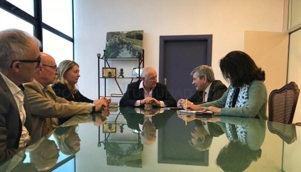 La Línea:  El Ayuntamiento firma un acuerdo de colaboración con la Fundación Yehudi Menuhin para el desarrollo de actividades de carácter social y edu