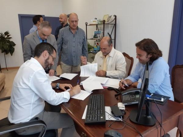 La Línea:  Suscrito el contrato del servicio de apoyo a la limpieza viaria con la empresa Recolte