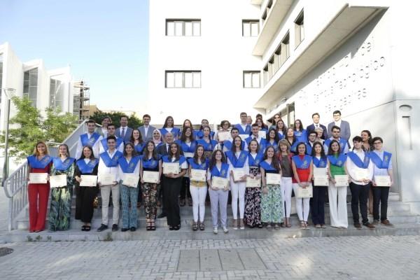Algeciras: Landaluce entrega las becas a la excelencia académica a los alumnos que han finalizado Bachillerato con matrícula de honor