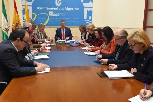 Algeciras: González de la Torre informa a la oposición sobre las medidas urbanísticas que se adoptarán para poder recepcionar la zona sur de Los Tomat