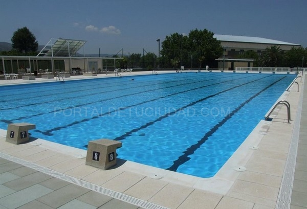 Se abre el concurso en ontinyent para gestionar la piscina for Piscina coberta ontinyent