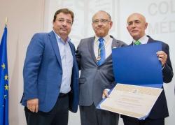 Fernández Vara asiste al acto institucional del Centenario de la Fundación de Protección Social de la Organización Médica Colegial