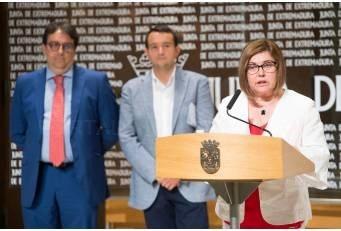 Junta, diputaciones y ayuntamientos se unen para impulsar centros de mayores.