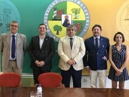 Firmado un acuerdo con los Círculos Empresariales de Cáceres y Plasencia para mejorar la empleabilidad de los alumnos.