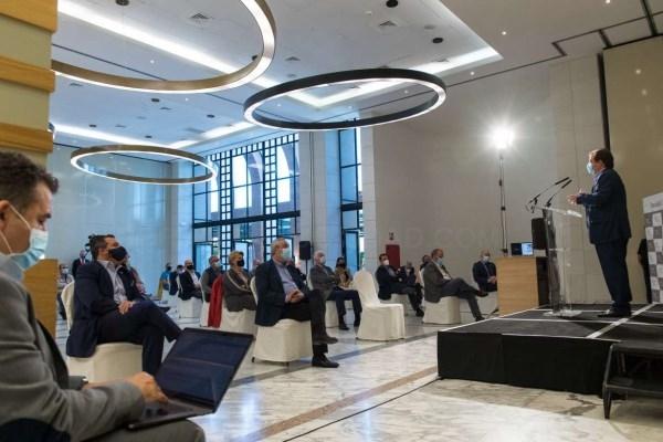 Fernández Vara destaca la importancia de avanzar en la digitalización de las empresas tras la COVID-19