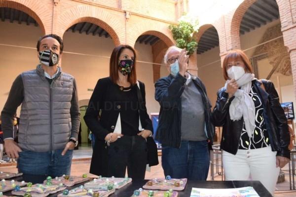 La consejera de Cultura visita la exposición 'Mirando el Pasado, camino hacia el futuro' en el Museo Arqueológico Provincial de Badajoz