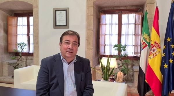 """Fernández Vara insta a utilizar el III Congreso """"Periodismo de Migraciones de Mérida"""" como una verdadera plataforma de sensibilización"""