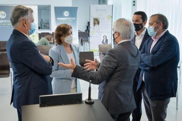 Escuchar Rafael España acompaña a Carmen Calvo en su visita a las instalaciones del Parque Científico y Tecnológico de Extremadura