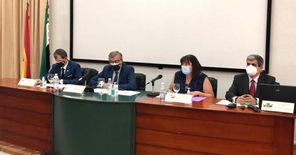 Begoña García participa en la clausura del curso académico de la Escuela de Ingenierías Agrarias