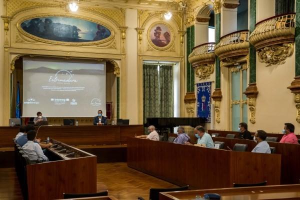 La Diputación trabaja en la elaboración de un catálogo de servicios para la lucha frente a la contaminación lumínica