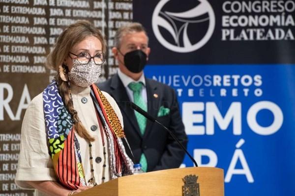 Presentado el I Congreso de Economía Plateada que se celebra en Mérida los días 22 y 23 organizado por FEVAL