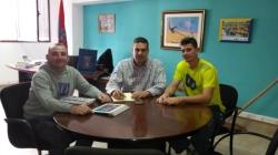 Diego Ojeda recibe al tenista profesional David Vega