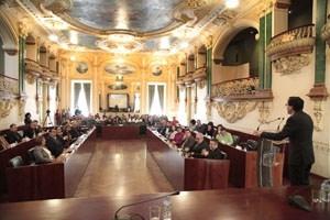 Gallardo pide a la Asamblea extremeña que presente una ley que derogue la actual de Racionalización y Sostenibilidad de la Administración Local