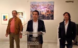 El Casco Antiguo reúne a 39 artistas en la exposición que cada año acoge la Diputación de Badajoz.