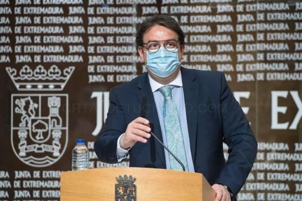 La Junta de Extremadura prohibirá los botellones y reuniones familiares de más de 15 personas