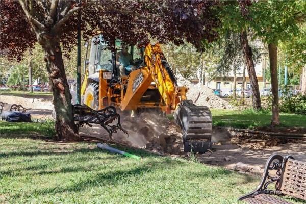 Comienzan las obras de mejora del parque de Jardines del Guadiana de Badajoz