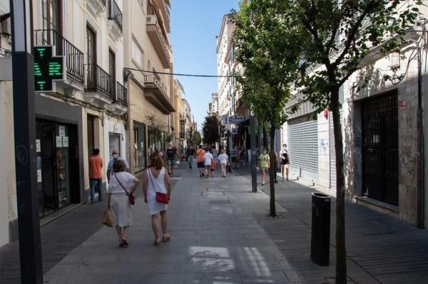 El comercio tradicional no recupera las cifras de clientes portugueses