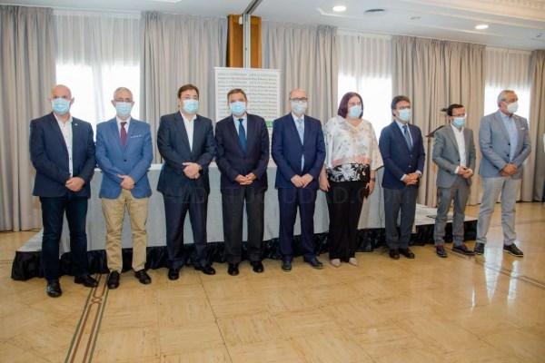 Fernández Vara considera fundamental la modernización del regadío para el desarrollo de Extremadura