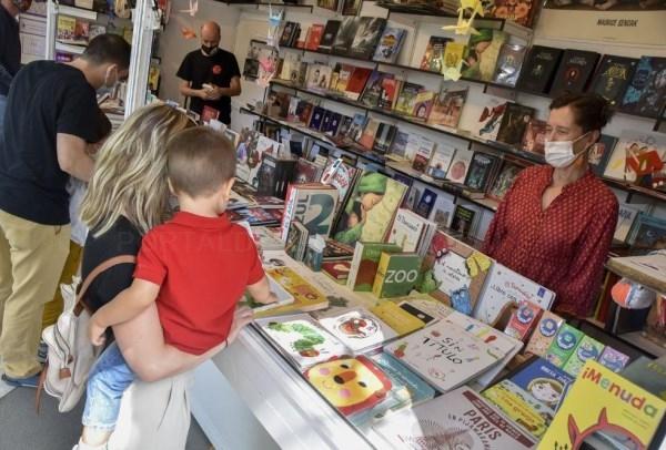 La Feria del Libro enseña el camino de la cultura segura