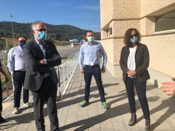 La consejera para la Transición Ecológica y Sostenibilidad visita la planta embotelladora de Nestlé en Herrera del Duque