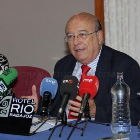 Fallece de covid el empresario y ganadero de Badajoz José Luis Iniesta