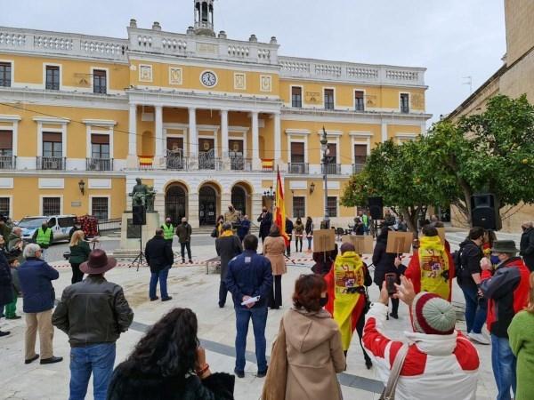 Vox ataca al Gobierno en el Día de la Constitución en Badajoz