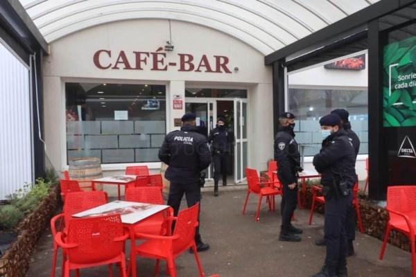 La policía local desaloja y precinta otro restaurante en un área de servicio de Badajoz