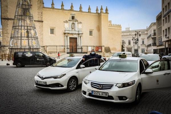 El cierre de bares y tiendas deja la actividad de los taxis bajo mínimos en Badajoz