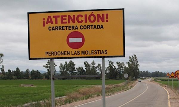 Corte en la Carretera Provincial BA-155, de Villalba de los Barros a Salvatierra de los Barros