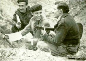 1949-Forner y su guitarra