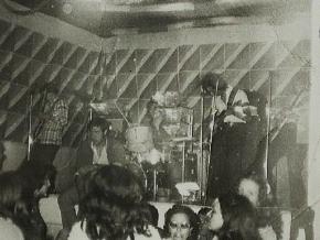 1974-CHAKAL