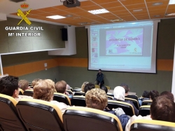 La Guardia Civil imparte charlas en la provincia de Teruel sobre la prevención de actos delictivos contra personas mayores