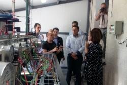 Mayte Pérez destaca el potencial del IES de Monreal del Campo, que tiene un laboratorio de frío pionero y único en España