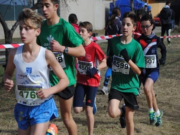Varios campeonatos de Aragón de Cross y un torneo selecciones de pista cubierta