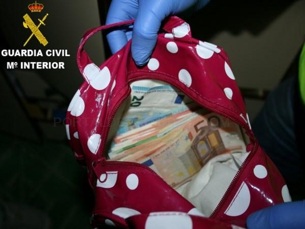 LA GUARDIA CIVIL DESARTICULA OCHO PUNTOS DE VENTA DE DROGA EN LA COMARCA DEL JILOCA