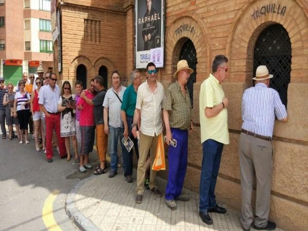 Expectación en la apertura de taquillas de Teruel