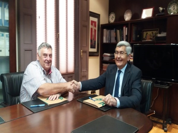 LA ASOCIACIóN DE RECOLECTORES PRODUCTORES DE TRUFA DE TERUEL Y CAJA RURAL DE TERUEL FIRMAN UN CONVENIO DE COLABORACIóN