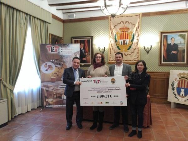 AFEDABA RECIBE 2.800 EUROS DEL EVENTO SOLIDARIO DEGUSTA TERUEL