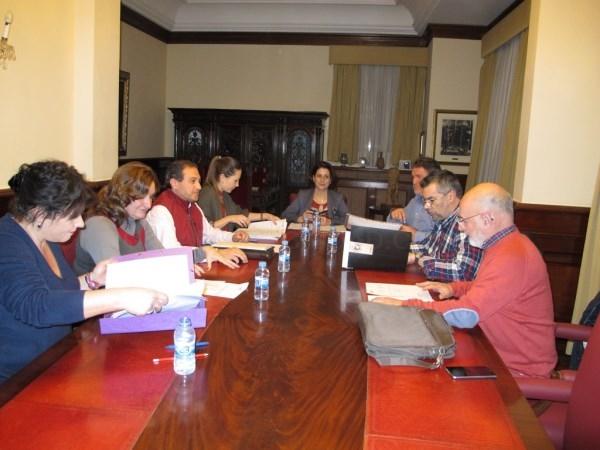 Entendimiento total entre Ayuntamiento, Federación de Grupos y Fundación Bodas de Isabel
