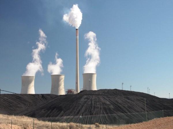 EL PARóN PRODUCTIVO DE LA CENTRAL TéRMICA DE ANDORRA, DEBIDO A LAS FAVORABLES CONDICIONES CLIMáTICAS PARA LAS ENERGíAS RENOVABLES, HA OBLIGADO A REDUCIR PLANTILLAS
