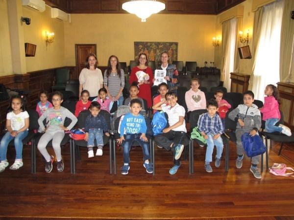 Alumnos del CRA Turia visitan el Ayuntamiento