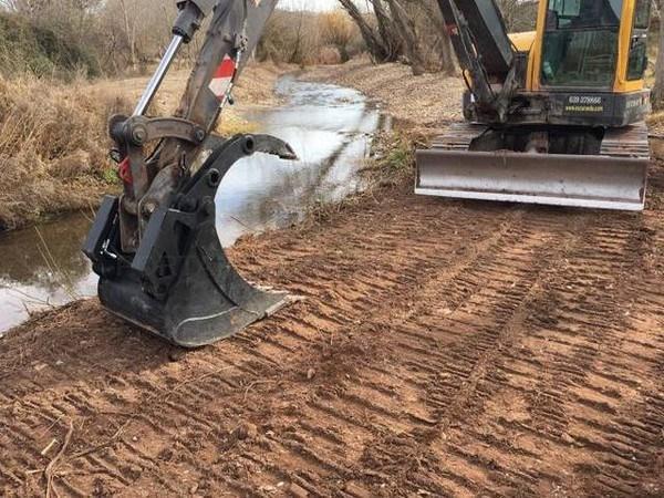 La retirada de arrastres devuelve el río a su cauce en Villalba