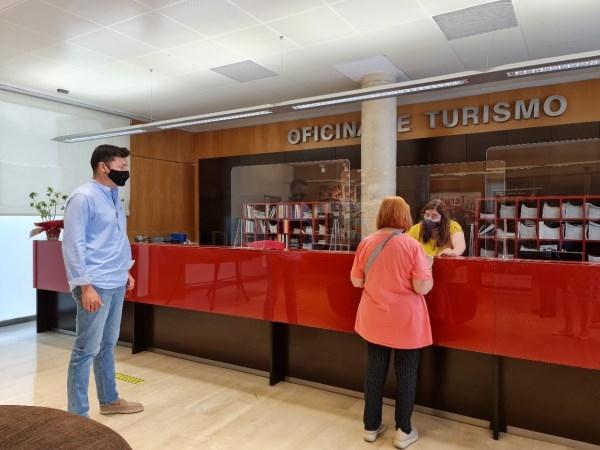 La Oficina Municipal de Turismo de Teruel atiende un 43% más de consultas en agosto respecto al mismo mes del año pasado