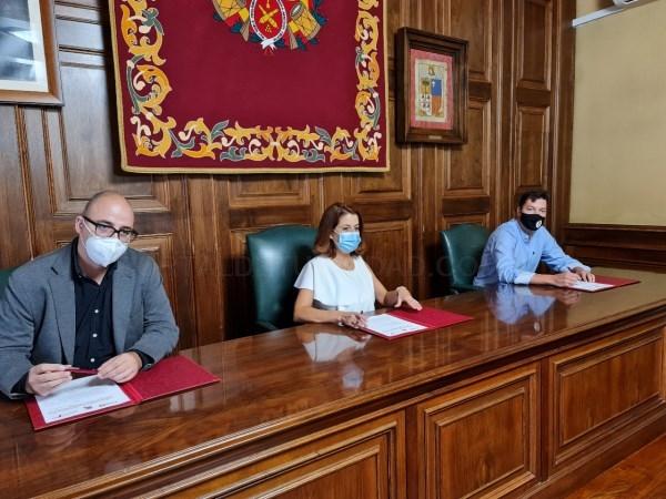 El Ayuntamiento de Teruel, la Institución Ferial de Teruel y el CRDOP Jamón de Teruel firman el convenio de colaboración