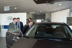 Fernández Vara destaca la aportación del sector del automóvil al empleo y la riqueza de la región