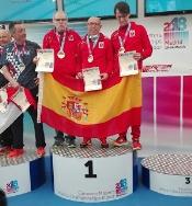 El atleta veterano del Capex Miguel Periañez ha logrado esta tarde el oro en la prueba de los 5km en ruta.