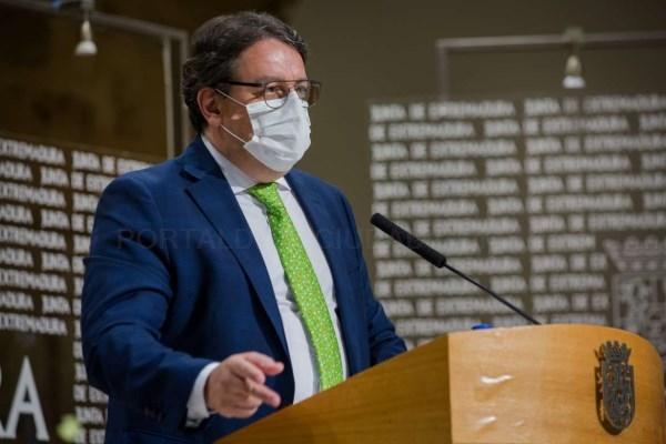 Sanidad anuncia una nueva flexibilización de las medidas antiCOVID ante el 'logro colectivo' en la bajada de la incidencia epidemiológica